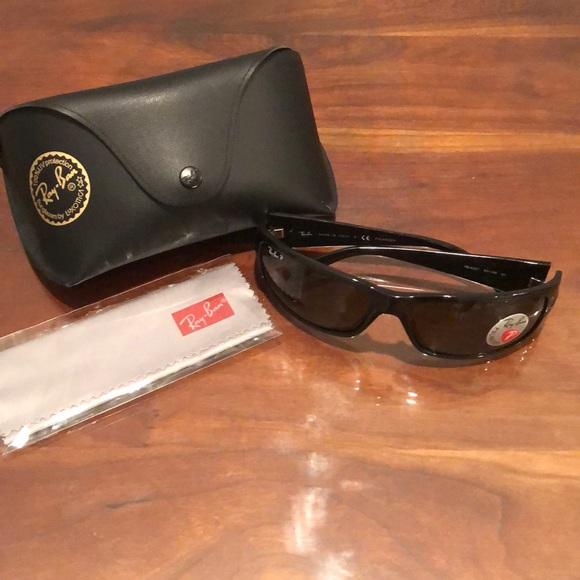 1ff22261425 NWT Ray Band Polarized Sunglasses with Case NWT